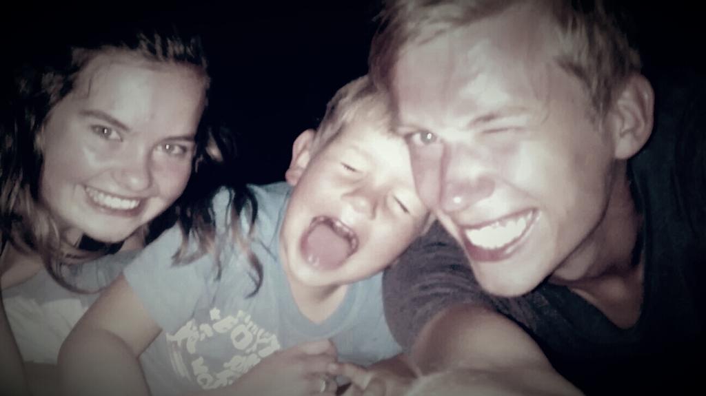 Een trampoline blijft natuurlijk altijd leuk :) - Met Boet & Sam