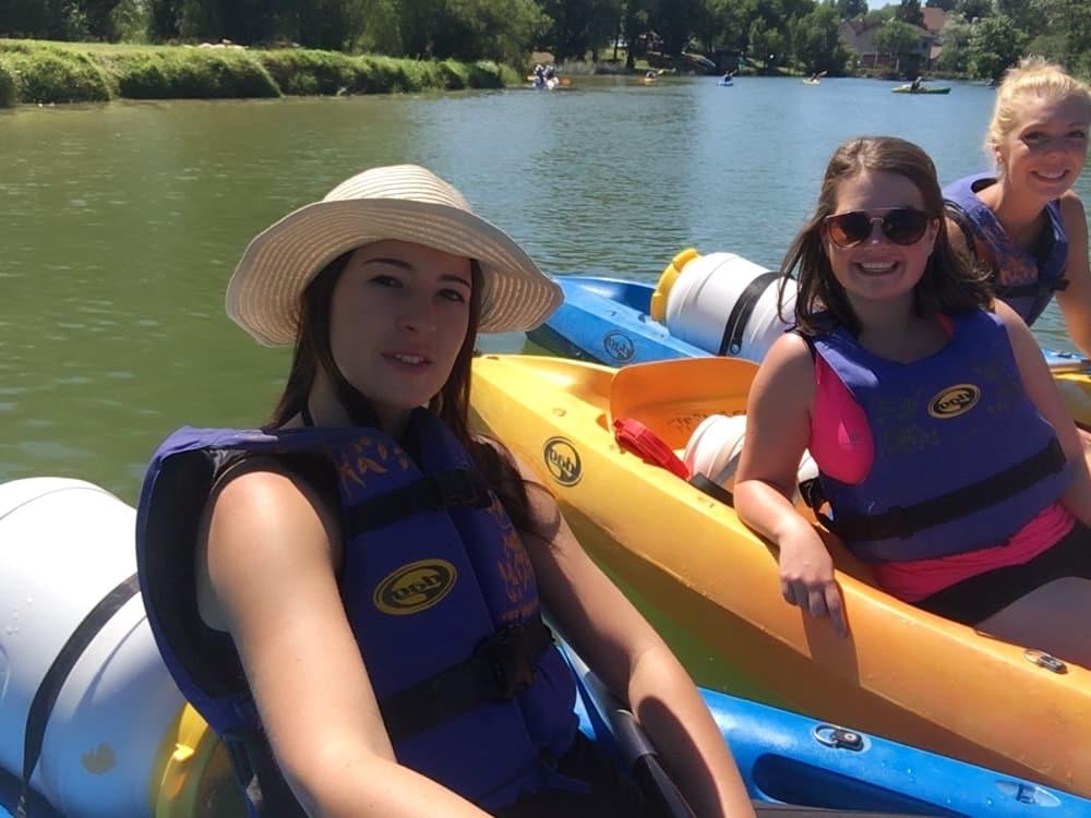 Kayakken met Marienne & Sanne.